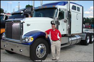 DuncanPutman.com Website Administrator Mark Harter with Dudo Trucking's 2007 International 9900ix