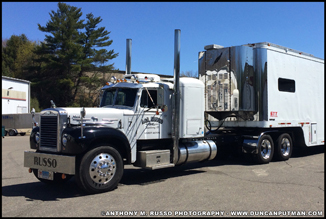 1960 Mack B-753 - Photo by Anthony Russo
