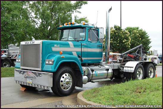 1990 Mack Superliner - Photo by Duncan Putman