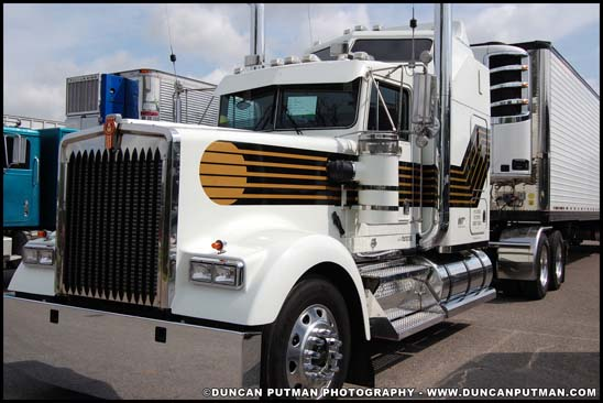 1992 Kenworth W900L 007 James Bond License to Kill Limited Edition - Photo by Duncan Putman