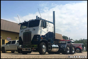Alex Bula's 1985 Freightliner FLT