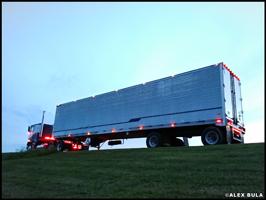 Alex Bula's 1985 Freightliner FLT and 1997 Great Dane Spread-Axle Reefer