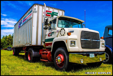 1990 Ford LN with Road Systems Trailer